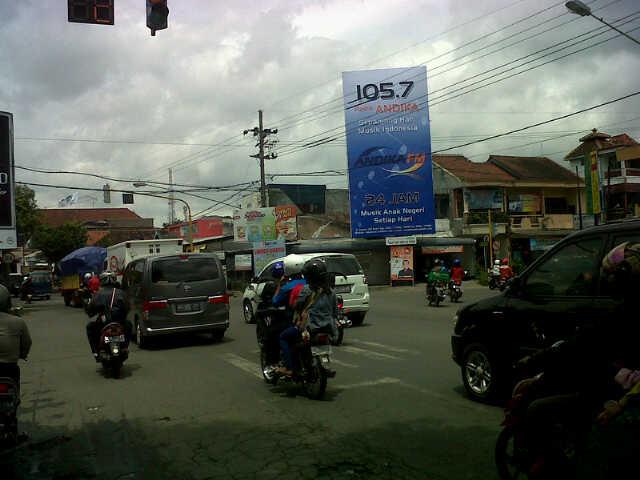 Branding: Baliho 5mx10m di tengah Kota