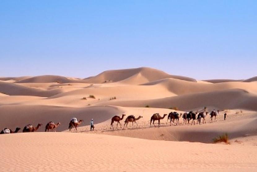 kafilah-dagang-di-gurun-pasir-_150325195451-662.jpg