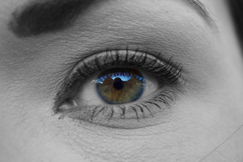 mata-yang-menggunakan-lensa-kontak-_160210061212-726.jpg