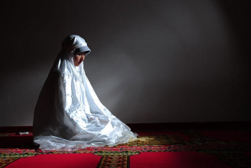 muslimah-shalat-tahajud-_131023153305-815.jpg
