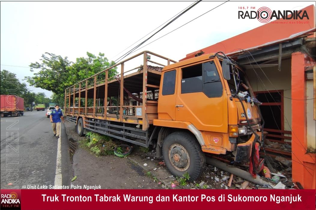 truk_tronton_tabrak_warung_dan_kantor_pos.jpg