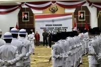 Gubernur Kukuhkan 76 Anggota Paskibraka Jatim Di Grahadi