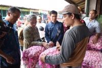 TPID Kota Kediri, Sidak Harga Bawang Merah dan Putih di Pasar Grosir
