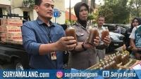 Polisi Gagalkan Pengiriman 5 Ribu Botol Jamu Ilegal dari Probolinggo ke Surabaya dan Madura