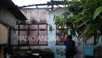 Lupa Mematikan Kompor, Rumah Dan Dua Sepeda Motor Ludes Terbakar
