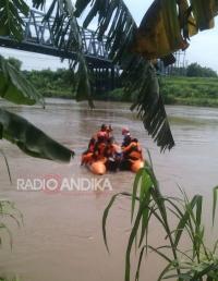 Pencarian Korban Tenggelam Di Sungai Brantas Purwoasri Kediri Dilanjutkan