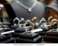 Warga Ngancar Temukan Perhiasan