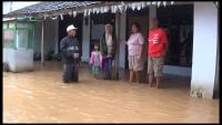 Banjir 1 Meter Rendam Ratusan Rumah di Kediri