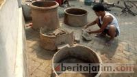 Warga Puri Temukan Benda Kuno Diduga Peninggalan Majapahit