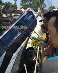 Kecelakaan Bus Rombongan Guru TK Tulungagung, 5 Korban Meninggal.