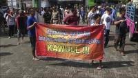 Warga di Nganjuk Demo Tuntut Perbaikan Jalan Rusak