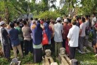 Tiga Jenazah Pelajar Hilang di Air Terjun Coban Talun Dimakamkan