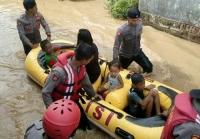 Banjir Jombang, Dua Warga Hanyut